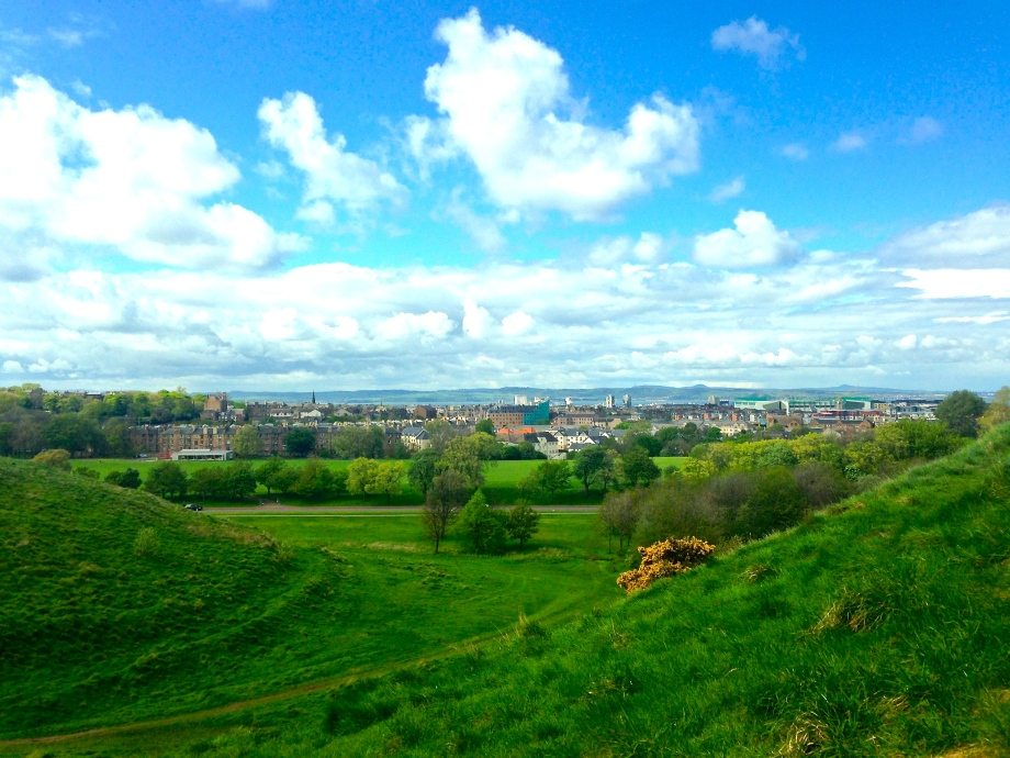 At every turn, Edinburgh is a truly beautiful city, offering views of its plush green landscapes.